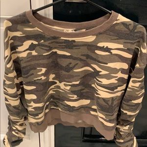 Camouflage  top size s